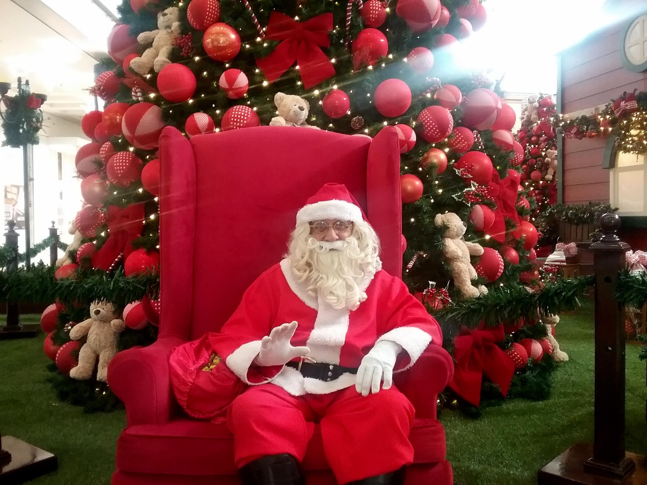 """c02689eff9920 Novembro é o início da contagem regressiva para o Natal e também o começo  do """"Natal dos Balões"""". Neste sábado, 11, o Novo Shopping abre suas portas  com ..."""