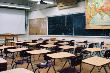 Governo anuncia retorno das aulas para 8 de setembro com rodízio de alunos