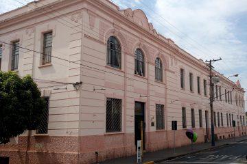Livro resgata história de 100 anos da escola Estadão