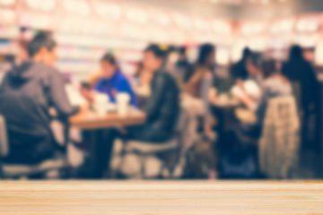 Governo libera bares e restaurantes até às 23h e anuncia eventos-teste