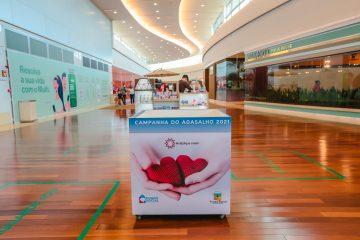 RibeirãoShopping e ShoppingSantaÚrsula recebem doações de roupas de frio e cobertores